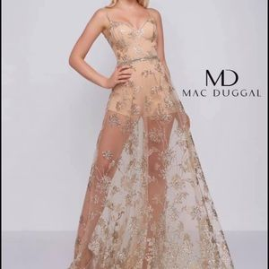 Mac Duggal Formal Dress Gold Size 4 Stretchy!